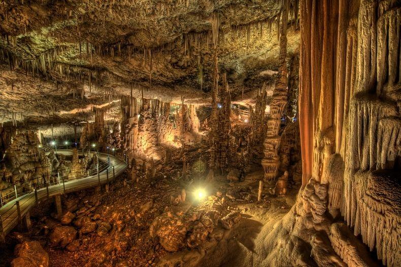 مغارة سوريك بفلسطين avshalom-cave-1[3%